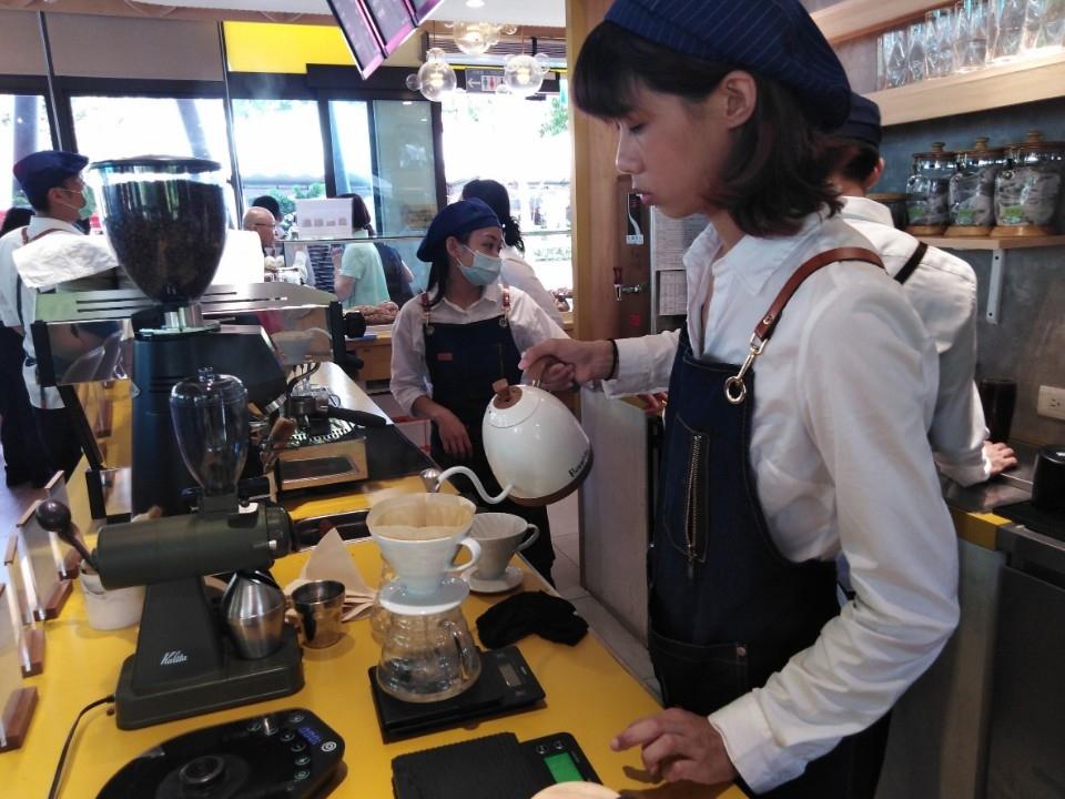 「糟老頭咖啡」為慢飛天使提供職前訓練。(記者林俊維翻攝)