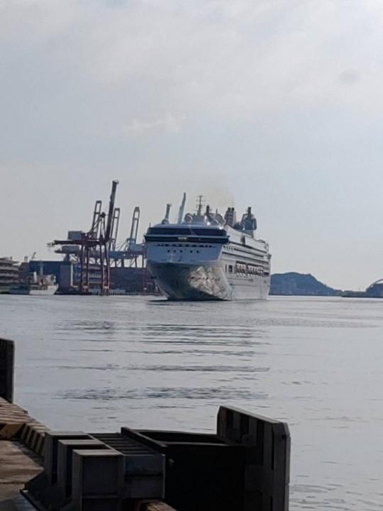 探索夢號今早抵達基隆港。(記者何能武翻攝)