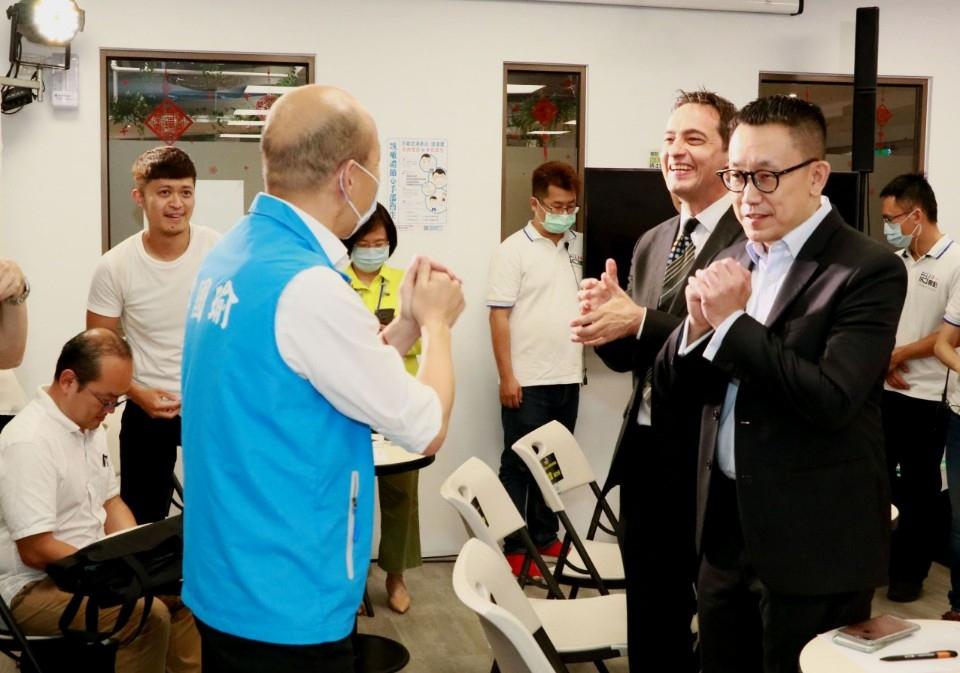 第二屆KO-IN 創新創業大賽開跑 韓國瑜勉勵青年朋友投入。(記者劉明吉翻攝)