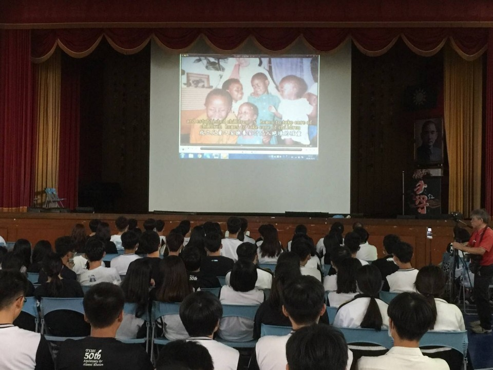 豐原高中今日舉行「愛使生命發光—生命教育活動」。(記者張越安翻攝)