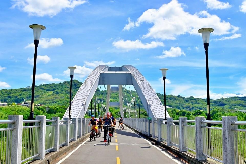 中秋連假單車暢遊台中山線 2天1夜微旅行樂逍遙。(記者游樂華翻攝)