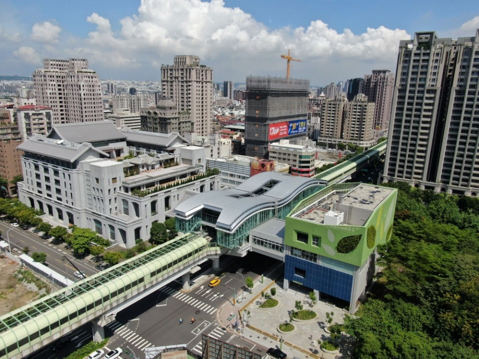 便利又節能! 台中捷運綠線年底通車 全線獲綠建築認證。(記者游樂華翻攝)