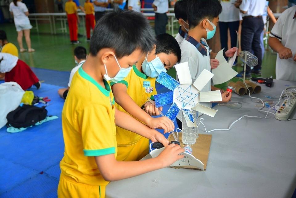 中市風力能創意玩具競賽 喚醒環保意識。(記者游樂華翻攝).jpg
