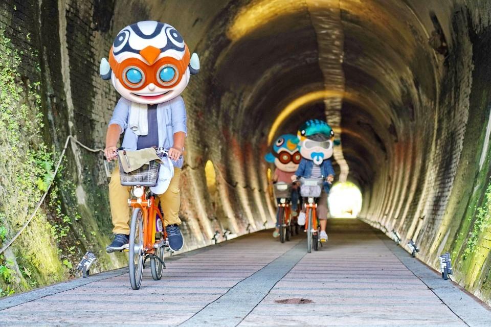 汐止自行專用車道,提供安全、舒適、平穩、低干擾的騎乘環境。(特約記者林有定翻攝)