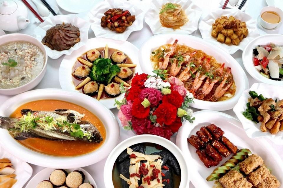 凱撒家宴「愛獻媽咪+幸福食光」專案,母親節團聚桌菜好選擇。(特約記者林有定翻攝)
