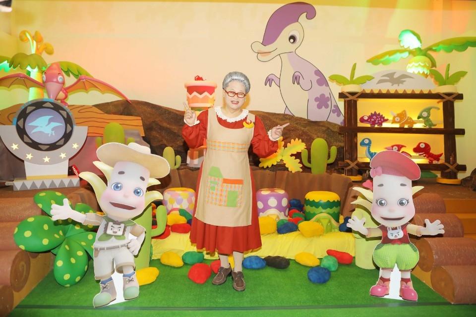 今夏最消暑的展覽!《水果奶奶的大秘密-故事派對》 情境式展場與科技體感遊戲搶先開箱。(特約記者林有定翻攝).jpg