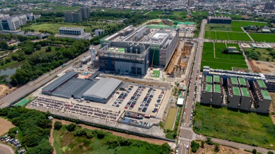 環保局運用無人機空拍 輔導管制台積電廠房新建工程。(記者張如慧翻攝).jpg