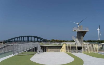 竹市首座原民地景式建築「那魯灣文化聚落」年底完工 小綠丘、大滑梯成17公里海岸線新景點。(記者張如慧翻攝).jpg
